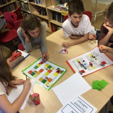 Quiz and Games with Maths